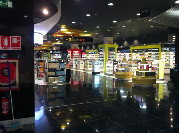 Multitienda Walk Trow - WORLD DUTY FREE GROUP